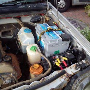 Jimny 2. akkumulátor tartó (nem ABS)